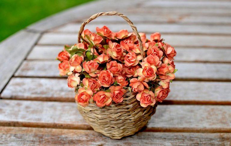 Gama sztucznych kwiatów o zaskakującej urodzie