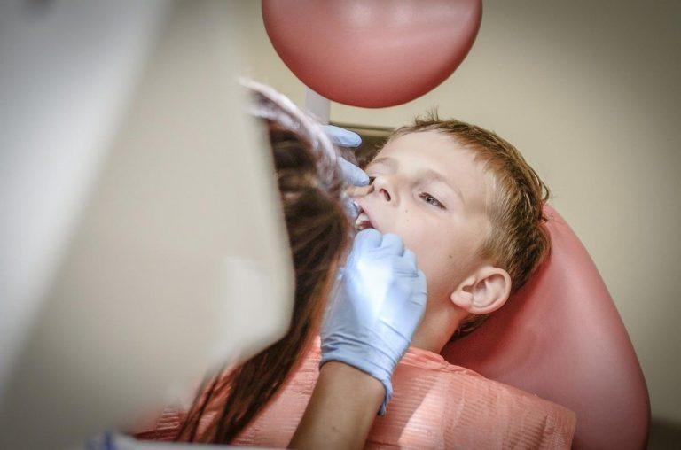 Profesjonalne wybielanie zębów Twoim sposobem na uśmiech